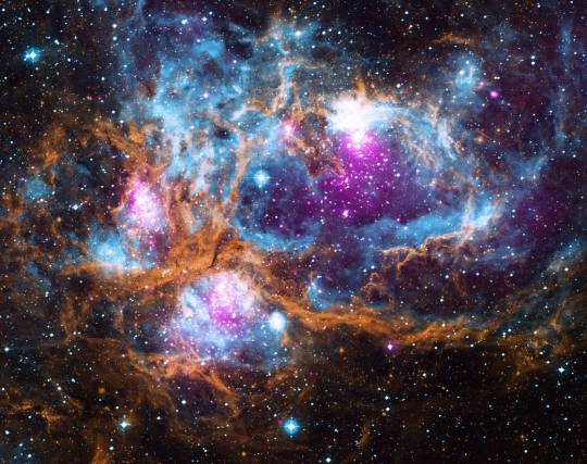 ngc6357-winter-wonderland